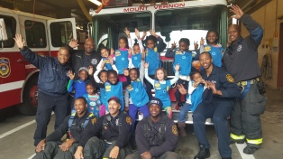 Troop 1856 meets Mt Vernon firefighters.jpg